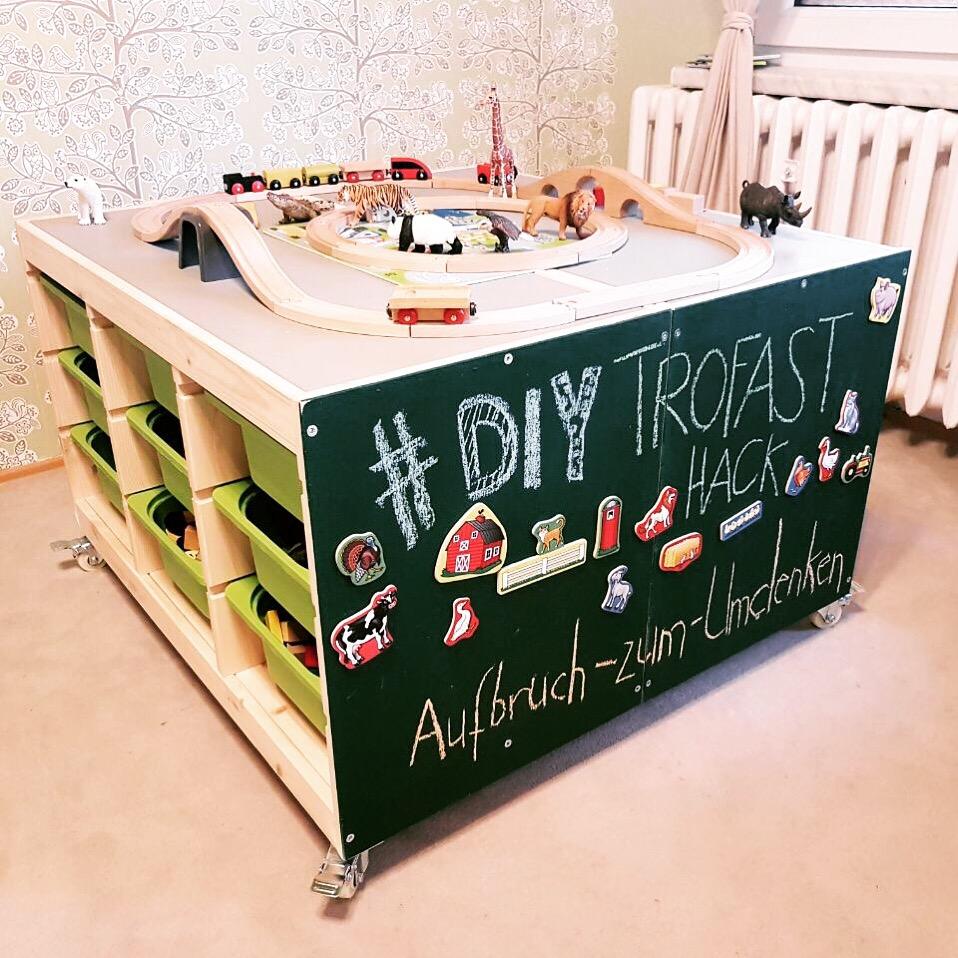 diy spieltisch ikea hack aufbruch zum umdenken. Black Bedroom Furniture Sets. Home Design Ideas